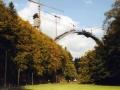 autobahnbau-durch-den-thueringer-wald-1999-der-grosse-rundbogen-der-groessten-einbogenbruecke-deutschlands-ueber-tal-der-wilden-gera-a1d493c5f7f0933e665376aaa041b35951fdb1bb